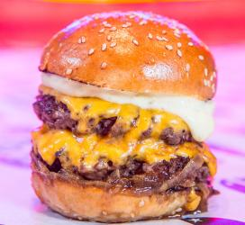 Le Bun comes to Brick Lane and celebrates with free truffle cheeseburgers
