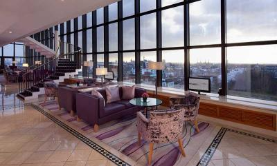 Jumeirah Carlton Tower opens ninth floor sundowner bar for the summer