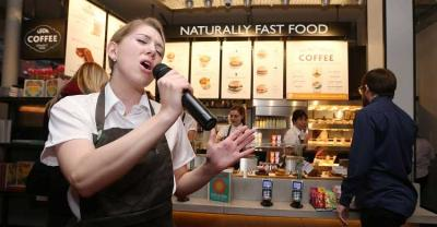 LEON Shaftesbury Avenue puts on singing staff