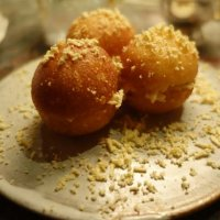 Crab-stuffed donuts with coral stuffing