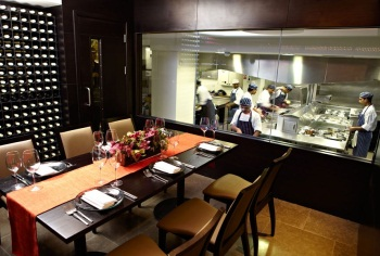 London S Best Restaurants With Chef S Tables Hot Dinners