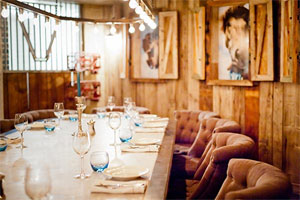 Brunch for 10 people with unlimited Grand Marque champagne in 'The Stables'
