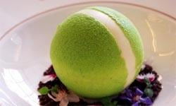 Restaurants serve up Wimbledon themed desserts