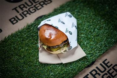 Huckster brings pizza, burgers, wonton soup, bubble waffles and more to Paddington Central