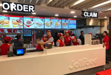 Test Driving Jollibee - the Filipino fried chicken chain arrives in London's Earl's Court