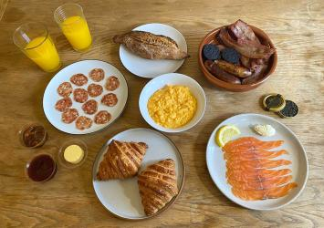 Test Driving the Moor Hall breakfast box - replicating their amazing breakfast feast at home