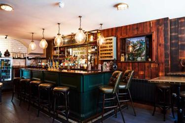 The Newman Arms reopens with a pie menu and downstairs snugs