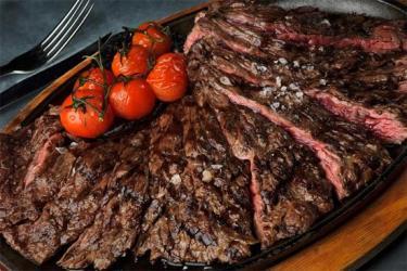 Gillray's puts a 7kg steak platter on the menu