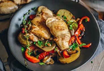 London restaurant recipes - chicken thighs and patatas panaderas by Sabor's Nieves Barragan