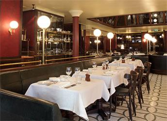 Les Deux Salons celebrates its first Birthday with the launch of Sunday brunch