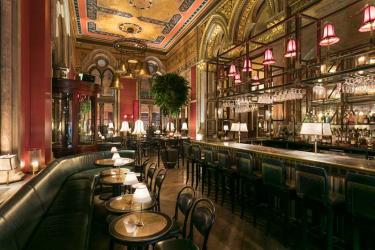 Marcus Wareing opens George's Bar at The Gilbert Scott
