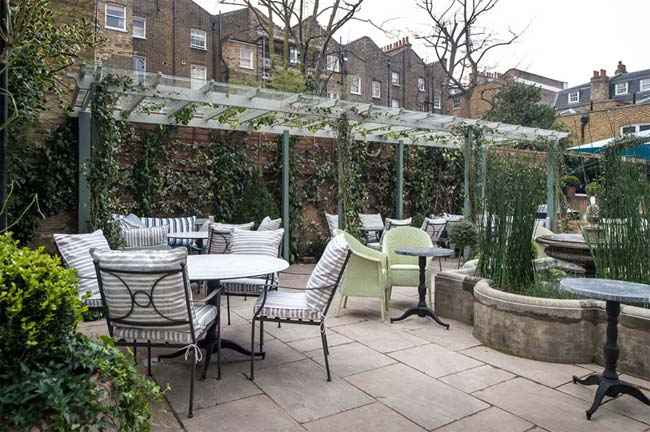 Alfresco Dining For Chelsea Test Driving Ivy Chelsea Garden Test Drive Hot Dinners