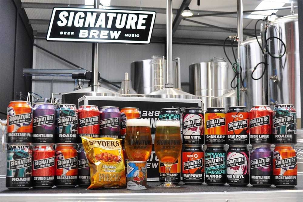 signature brew's pub in a box