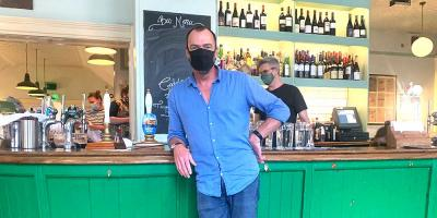 Now you must wear a mask in a pub and restaurant - except while sitting down at your table